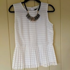 Detailed blouse